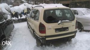 Opel zafira 2,0d auto otpad softic