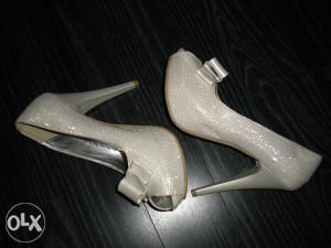 Cipele štiklom šljokicama otvorene vel.38