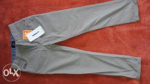 LC WAIKIKI pantalone 7-8 god.(br.122-128)