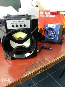 Bluetooth zvucnik velike izlazne snage + FM radio