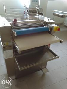 Mašina za oblikovanje tijesta ( Giotec )