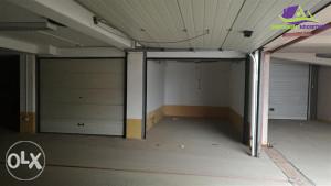 Dvije garaže sa duplim rolo vratima! 45/ENL