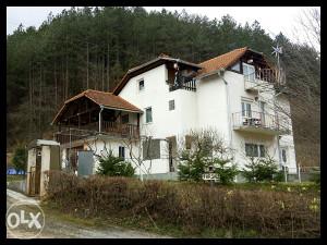 Kuća-Vila u Ključu, kao stvorena za biznis i život!