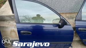 VRATA Prednja DESNA Toyota AVENSIS 97-03 DIJELOVI