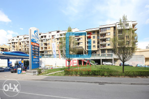 Trosoban stan površine 79,50 m2, Breka