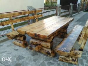 Vrtni namjesatj drveni stolovi i klupe masivni