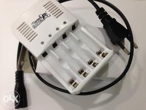 Univerzalni Punjač Baterija Baterije AA AAA 1,6V = 1,5V