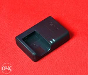 Canon punjač LC-E12 za LP-E12  EOS-M M2 100D