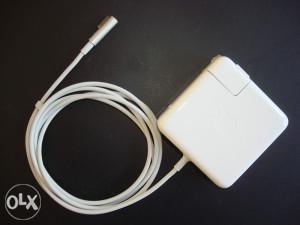 MacBook punjač