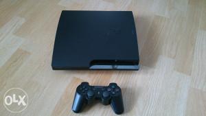 PS3 PLAYSTATION 3 Čipovan 20 igara GTA V,FIFA18,PES18