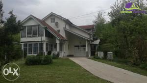 Savremena vikend kuća sa okućnicom od 13000 m2!