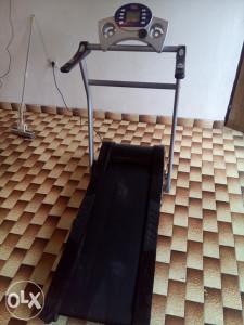 Električna traka za trčanje sa motorom