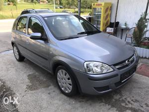 Opel Corsa 1.2- 2004 god.ekstra stanje
