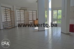 Prodaje se  poslovni prostor, 206 m2, Tuzla